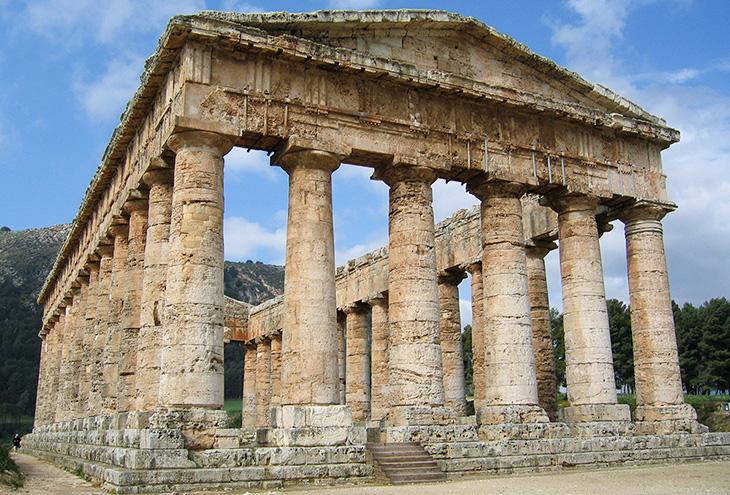 Античный древнегреческий храм