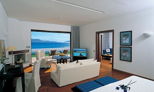 Island Suite on the Waterfront with private garden