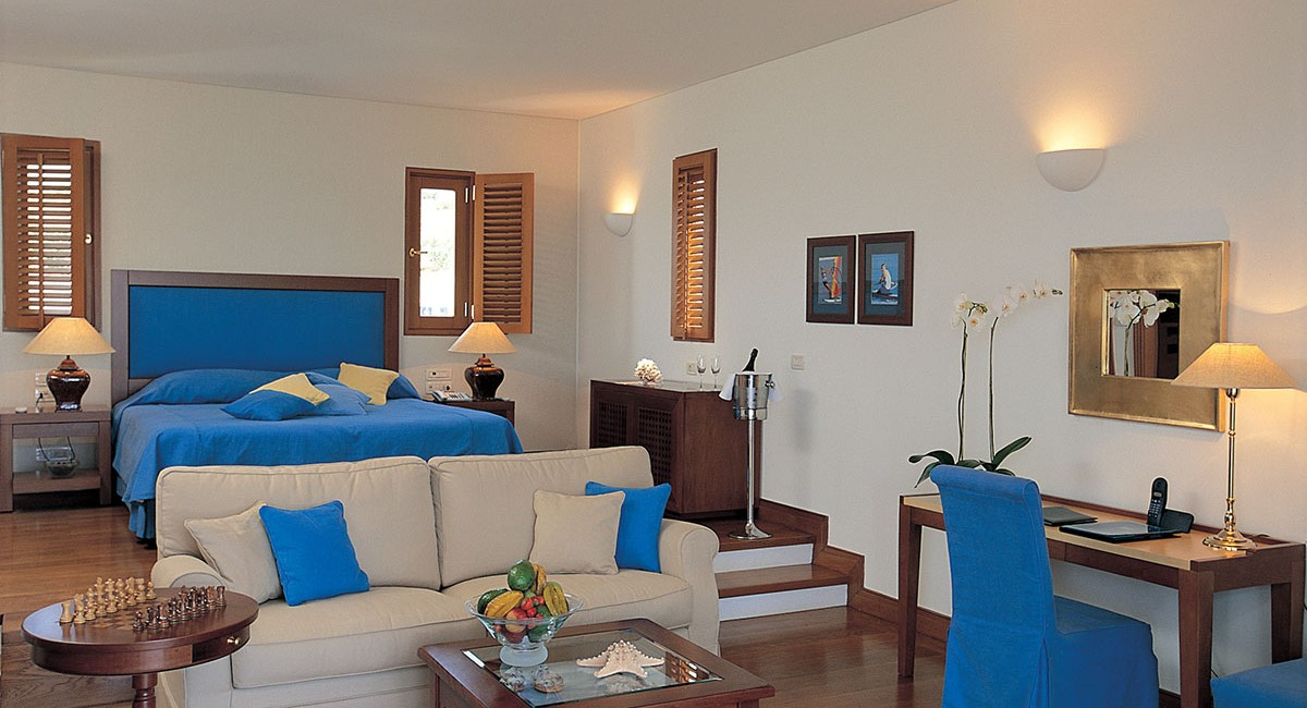 Junior Waterfront Suite with Private Garden