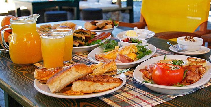 завтрак греческий